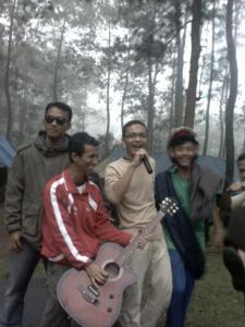 Artis Kemah Pramuka SIT FI-2 2012